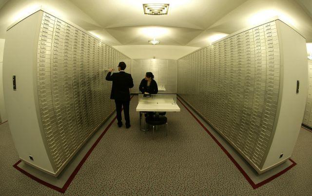 """Suiza: """"La perla negra del secreto bancario"""" (2/2)"""